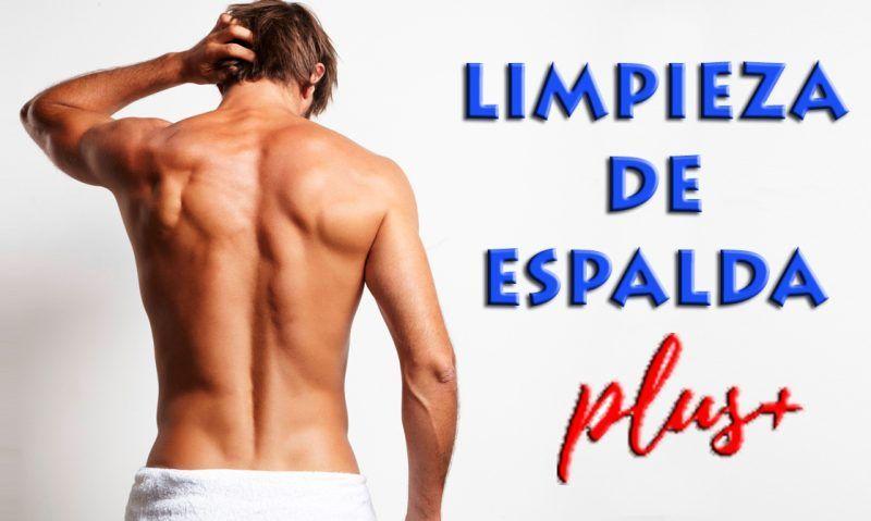 Limpieza-exfoliación-hombre-espalda